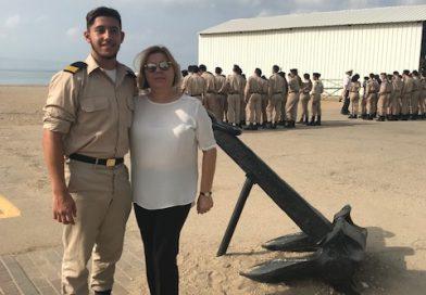 חלמת להיות מפקד בחיל הים?מה אמא שלך אומרת על זה?